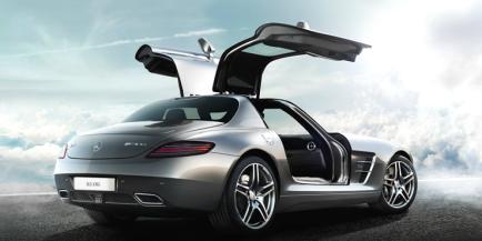 Mercedes do góry drzwi